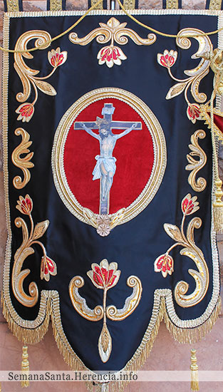 estandarte-crucificado-herencia